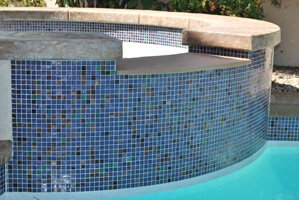 mosaic-glass-tile-on-spa-spillover