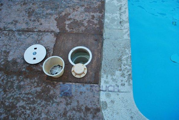 commercial pool skimmer basket and float valve assembly