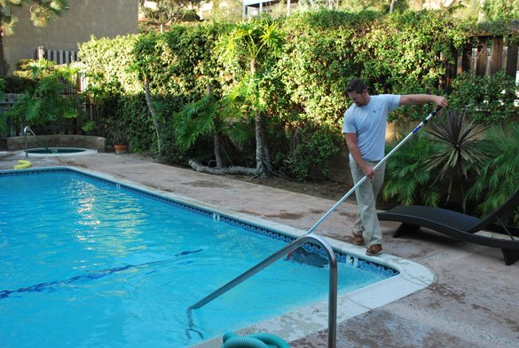non slipping pool deck and safety grip coping